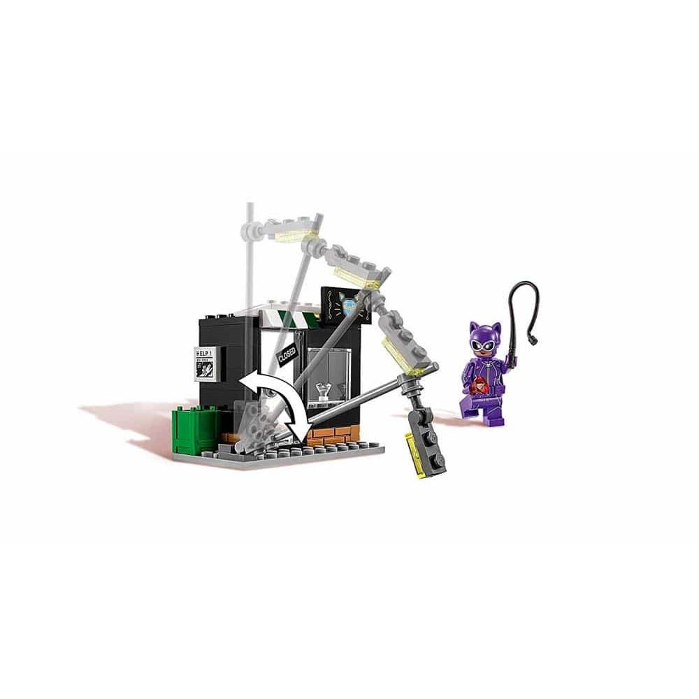 LEGO® Batman Catwoman și urmărirea în Catcycle 70902 139buc