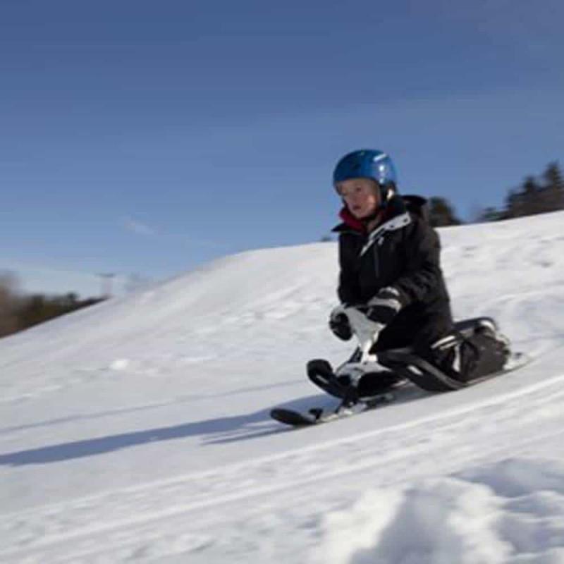 Sanie sportivă cu volan STIGA SnowRacer Supreme GT negru - alb