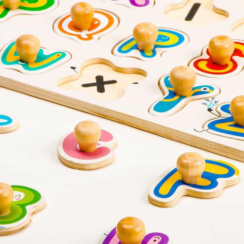 Robotime Puzzle lemn încastru Alfabet HP003 26 piese Peg puzzle color