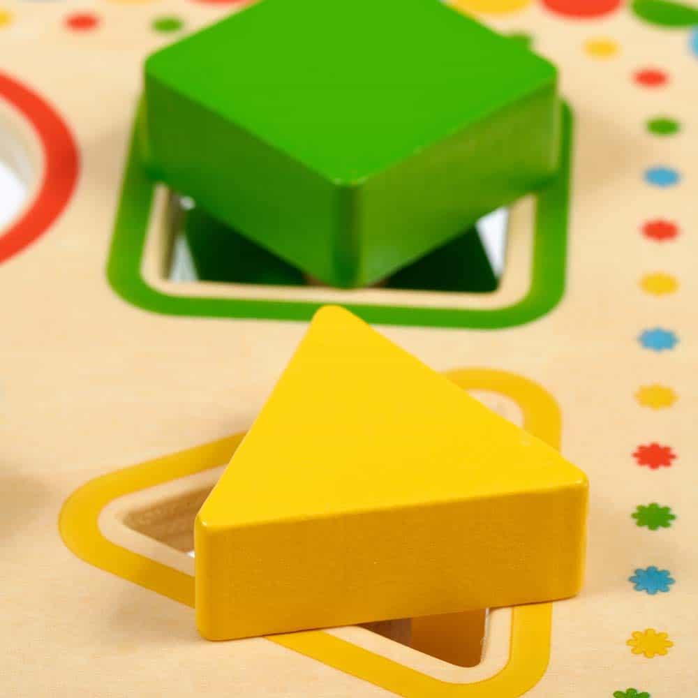 Jucărie de sortare din lemn Măsuță forme Lucy&Leo LL169 jucărie sortare