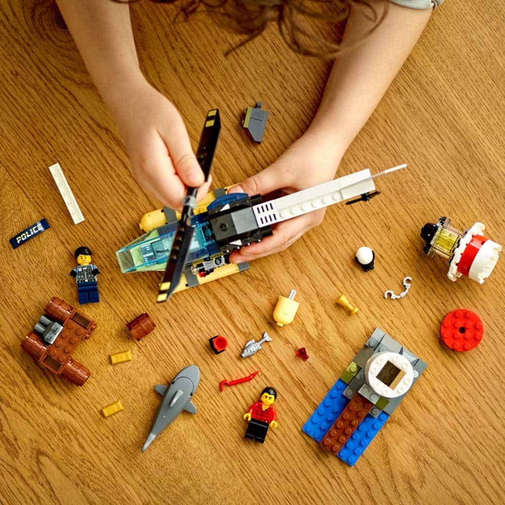 LEGO® City Captura de la far 60274 - 189 piese