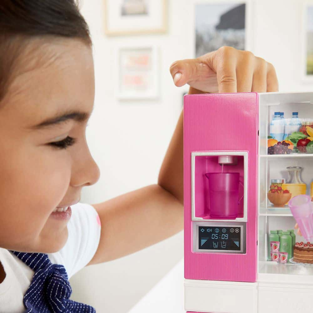Set de joacă Barbie Păpușă brunetă cu frigider și accesorii GHL85 Mattel